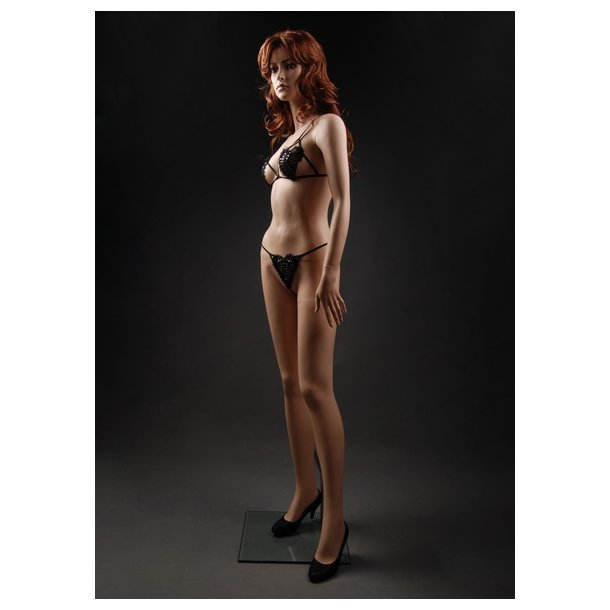 Evy mannequin