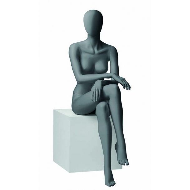 Shana metro 6 mannequin